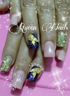 Queen nails rose