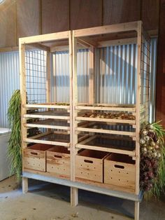 DIY Vegetable Storage Bin with Dividers DIY Projects When a home is on the go, taking the time to assemble a DIY Vegetable Storage Bin with Dividers can save you a lot of time. These storage containers a. Casa Clean, Root Cellar, Hobby Farms, Farm Gardens, Urban Farming, Sustainable Living, Food Storage, Diy Vegetable Storage, Storage Ideas