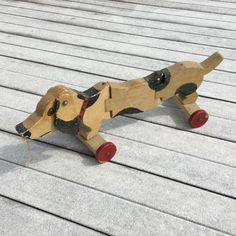 RARE-WOODEN-DOG-pull-toy-folk-art-vintage-old-hound-handmade-ooak-pet-beagle