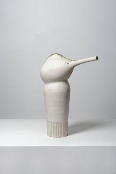 Piasa - Bruno Gambone (né en 1936) Pinocchio Art Et Design, Icon Design, Porcelain Ceramics, Ceramic Art, Pottery Marks, Art Thou, Chess Pieces, White Clay, Vintage Pottery