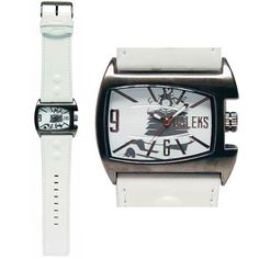 Doctor Who: Dalek Analog Watch. This Doctor Who Dalek adult analogue watch features a stylish white strap and comes packaged in a branded Doctor Who Tin! Doctor Who Shop, Doctor Who Dalek, New Doctor Who, Eleventh Doctor, Dr Who Toys, Dr Who Merchandise, Best Amazon Deals, Watch Doctor, Tardis