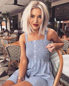 "3,073 curtidas, 139 comentários - Laura Jade Stone (@laurajadestone) no Instagram: "" - dress is from @realisationpar"""