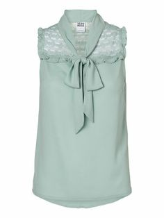 Cute top with lace detailing from VERO MODA. #veromoda #top #lace #green #fashion #style