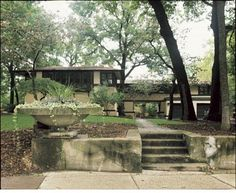 Frank Lloyd Wright - The Avery and Queene Coonley House, Riverside, Illinois, 1907    Situated along the Des Plaines River, the Coonley House is the largest and most expensive of all Wright's Prairie houses. Both clients were business fortune heirs