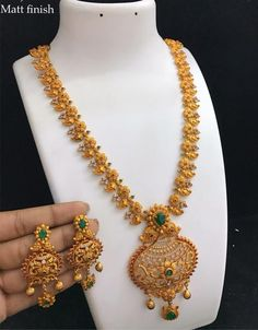 7286062150 ping me for orders Gold Temple Jewellery, Gold Wedding Jewelry, Gold Jewellery Design, Bridal Jewelry, Gold Jewelry, Handmade Jewellery, Modern Jewelry, Fine Jewelry, Gold Earrings Designs