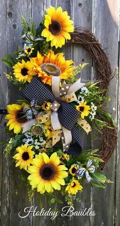 Easter Wreaths, Holiday Wreaths, Holiday Ideas, Summer Wreath, Spring Wreaths, Sunflower Arrangements, Country Wreaths, Deco Mesh Wreaths, Door Wreaths