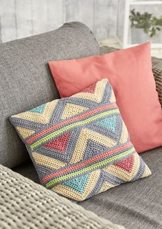 "podkins: "" Crochet Pillow schachenmayr shares a free crochet pattern for this geometric pillow / cushion. Crochet Cushion Pattern Free, Cushion Cover Pattern, Crochet Cushion Cover, Crochet Cushions, Free Pattern, Bag Crochet, Crochet Home, Free Crochet, Blanket Crochet"