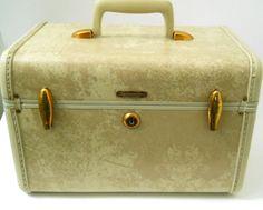 Samsonite Train Makeup Case Luggage Shwayder Bros.Tan Brass Hinges Vintage