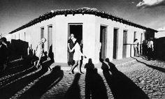 """A Sociedade Fluminense de Fotografias, em Niterói, apresenta a exposição """"Da época do Fotoclubismo à fotografia contemporânea"""", que reúne o trabalho de 20 fotógrafos  e fica em cartaz até o dia 30 de dezembro, com entrada gratuita"""