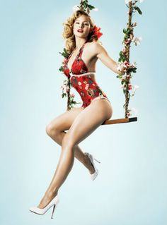 Kristen Bell, love this pinup look!