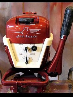 How beautiful is this baby? Outboard Motor Stand, Outboard Boat Motors, Boat Crafts, Water Crafts, Wooden Speed Boats, Flat Bottom Boats, Boat Restoration, Classic Wooden Boats, Boat Engine