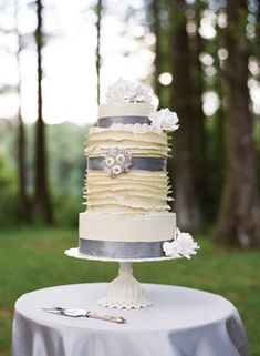 6 New Wedding Cakes Trends for 2013 and 2014 Weddings |