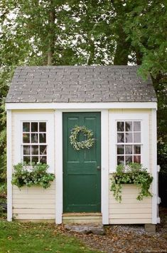 Cool 55 Nice Garden Shed Storage Ideas on a Budget https://lovelyving.com/2017/12/01/55-nice-garden-shed-storage-ideas-budget/ #GoodGardens