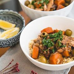 Slow Cooker Moroccan Chicken & Olive Tagine 🍗chicken, prunes, olives, carrots, onions, garlic and ginger are slow-cooked with Moroccan spices to create a flavorful and fragrant dish that you'll want to make again and again. 8 Smart Points • 399 Calories (2 thighs plus veggies) http://www.skinnytaste.com/slow-cooker-moroccan-chicken-olive-tagine/ link in profile #munchies #sharefood #yummy #lunch #L4L