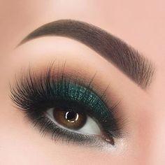 Makeup Inspo, Makeup Inspiration, Makeup Tips, Hair Makeup, Smoky Eye Makeup, Makeup For Brown Eyes, Cool Makeup Looks, Formal Makeup, Green Makeup