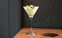 Gin Sour cocktail recipe: The simplest of the sours. | Photo: Daniel Krieger