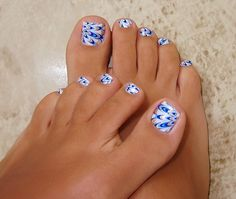 Not a fan of toes designs but this just looks too cute | See more at http://www.nailsss.com/french-nails/3/