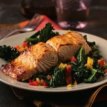 Salmon on a Bed of Greens Recipe Fish Dishes, Tasty Dishes, Fish Soup, Greens Recipe, Eat Right, Seafood Recipes, Salmon, Food And Drink, Favorite Recipes