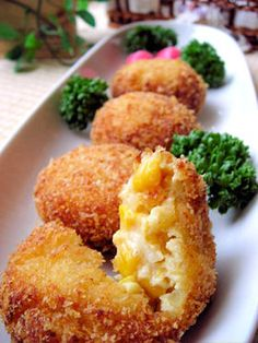 Corn Cream Croquettes servings) Corn (or canned corn) 150 g Onions Butter 15 g Consomme bouillon cube Flour 1 tablespoons Milk 150 ml Sugar 2 pinches Salt and pepper a pinch each Egg 1 ● Panko bread crumbs 25 g cup) ● Vegetable oil 1 tablespoon Croquettes Recipe, Thanksgiving Snacks, Crescent Rolls, Veggie Dishes, Side Dishes, Mets, Empanadas, I Love Food, Gastronomia
