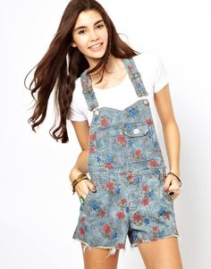 Free People. dungarees with en trend floral print