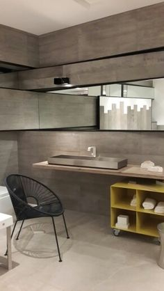 Moda bagno, Showroom /Istanbul  Concrete look, with stainless steel sink .