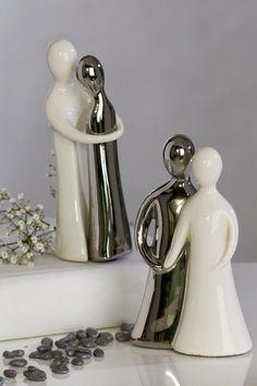Keramikfigur Pärchen Die wunderschöne Figur Liebespaar mit goldenem Herz