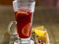 Новогодние рецепты. Праздничный пунш с ромом и фруктами согреет тело и душу в морозные дни.