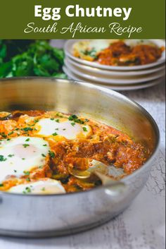 Poached eggs in a spicy tomato sauce Low Carb Indian Food, Indian Food Recipes, Ethnic Recipes, Tomato Relish, Spicy Tomato Sauce, Breakfast Dishes, Breakfast Recipes, Relish Sauce, Middle Eastern Dishes
