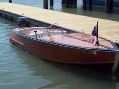 Wooden runabout boat