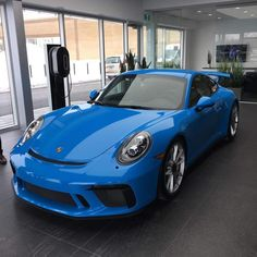 This brand new Mexico Blue (mexikoblau, 336, UNI) was recently delivered to Porsche Rive-Sud, Quebec, Canada to its new owner @benny1960porscheclub. These great photos were sent to me by @jaybenny, thanks for that Jerome! This example sports the manual gearbox, PCCB, Bose sound system and light aluminum wheels. Really an amazing spec. You can see in the two photos how the color changes depending on the light. Mexico is a real hard color to capture right, but seen in the flesh it's amazing…