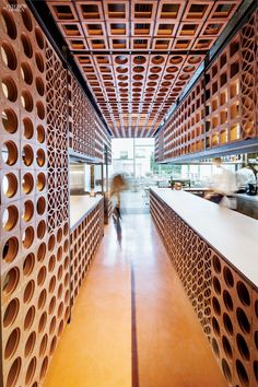 Image 1 of 16 from gallery of Disfrutar Restaurant / El Equipo Creativo. Photograph by Adrià Goula Restaurant Design, Architecture Restaurant, Luxury Restaurant, Restaurant Lighting, Cafe Restaurant, Interior Architecture, H Design, Design Blog, Cafe Design