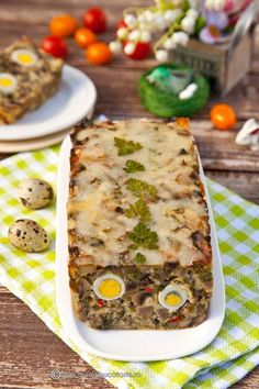 drob-de-ciuperci-cu-oua-de-prepelita New Recipes, Vegetarian Recipes, Favorite Recipes, Healthy Recipes, Appetizer Recipes, Appetizers, Romanian Food, Soul Food, Food To Make