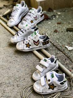 Adidas Stan Smith Custom per Papà, mamma e baby Mamma, Custom Sneakers, Mom And Baby, Adidas Stan Smith, Get The Look, Shoes, Fashion, Fashionable Outfits, Moda