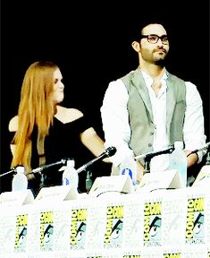Teen Wolf cast Holland Roden & Tyler Hoechlin SHE SMACKED HIS BUTT