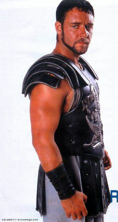 "Russell Crowe, as ""GLADIATOR"" ""Maximus- Maximus- Maximus !!!"""