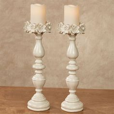 The Magnolias Antique White Candleholder Pair offers a classic poise that radiates a graceful simplicity upon your decor. Shabby Chic Sofa, Shabby Chic Bedrooms, Shabby Chic Decor, Vintage Furniture, Diy Furniture, Wooden Candle Holders, Diy Candles, Candlesticks, Candleholders