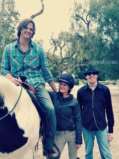 Jared & Gen (if anyone knows anything about the source of this pic, let me know. I've never seen this before).