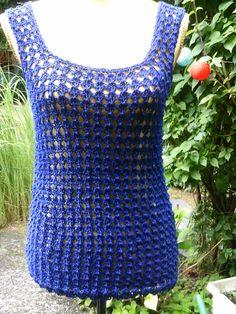 Long-Top blau, Lochmuster  von Meine Strickerei auf DaWanda.com