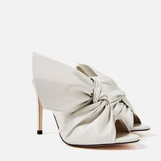 LEATHER SANDALS WITH BOW - NEW IN-WOMAN   ZARA United States