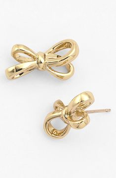 Dainty, everyday stud earrings by Kate Spade. Love the delicate bows! Perfect gift idea for a birthday or bridesmaid - especially for the girl who loves something feminine or wears gold jewelry.