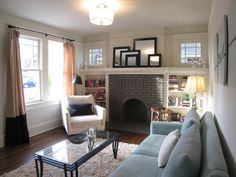 pretty old houses eclectic craftsman bungalow oakhurst living room interior design modern minimalist house Bungalow Living Rooms, Craftsman Living Rooms, Bungalow Decor, Bungalow Interiors, Bungalow Homes, My Living Room, Home And Living, Small Living, Craftsman Bungalow Exterior