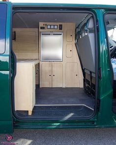 Camping Tips For Families – All You Need For Family Camping T4 Vw, Volkswagen T5, Vw Bus T5, Vw T4 Transporter, Small Camper Vans, Small Campers, Mini Camper, Van Conversion Kitchen, Diy Van Conversions