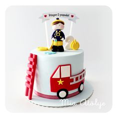 Firefighter Birthday Cakes, Fireman Cake, Baby Boy Birthday Cake, Truck Birthday Cakes, Birtday Cake, Cake Frosting Designs, Fire Engine Cake, Cake Designs For Kids, Sugar Cake