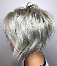 70 Overwhelming Ideas for Short Choppy Haircuts Choppy Silver Blonde Bob Edgy Bob Hairstyles, Short Choppy Haircuts, Layered Haircuts, Haircut Medium, Haircut Short, Curly Haircuts, Haircut 2017, Latest Hairstyles, Reverse Bob Haircut