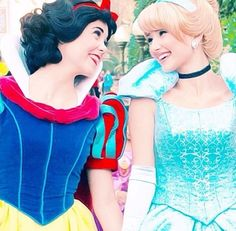 Snow & Cinderella: they were probbaly best freinds forever after
