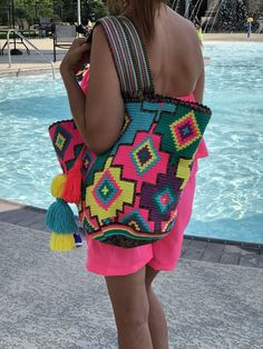 Free Spectacular Crochet Bag Patterns You Love To Make Ideas New 2020 - Page 18 of 30 - crochetsample. Mode Crochet, Crochet Tote, Crochet Handbags, Hand Crochet, Tapestry Crochet Patterns, Crochet Mandala Pattern, Beach Crochet, Bag Pattern Free, Tapestry Bag