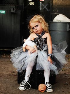 Zombie Girl costume! This is one seriously COOL little girl!