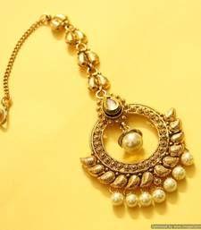 Gold look kundan & pearl maang tikka