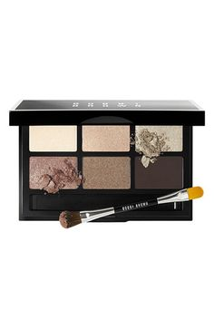 This Bobbi Brown eyeshadow palette is my daily go-to