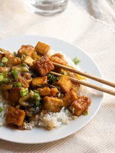 Sweet and Sour Tofu - Vegetarian (I think I can substitute muscovado or molasses for the honey to make this vegan.)